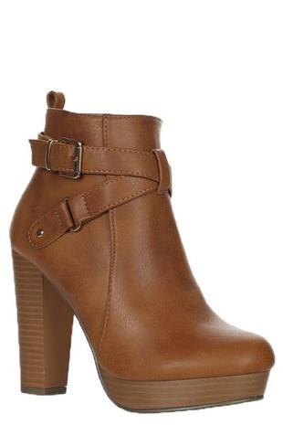 c328bd496d625 CJ Shoes − LAShowroom.com